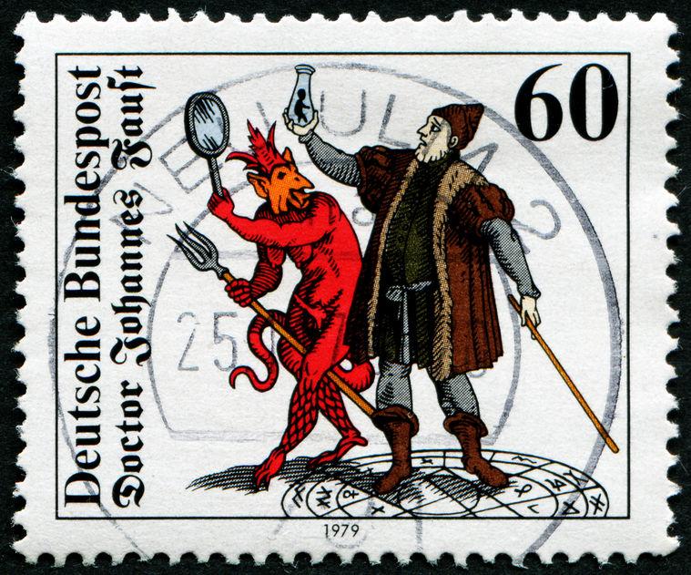 """Inszenierung des """"Faust"""" am Nationaltheater Weimar — eine Rezension"""